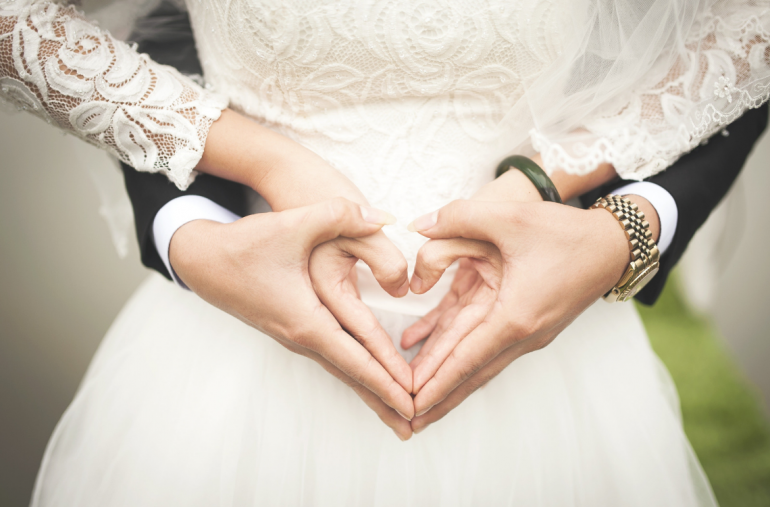 20 Signs She's the Woman You Should Marry According to the Bible